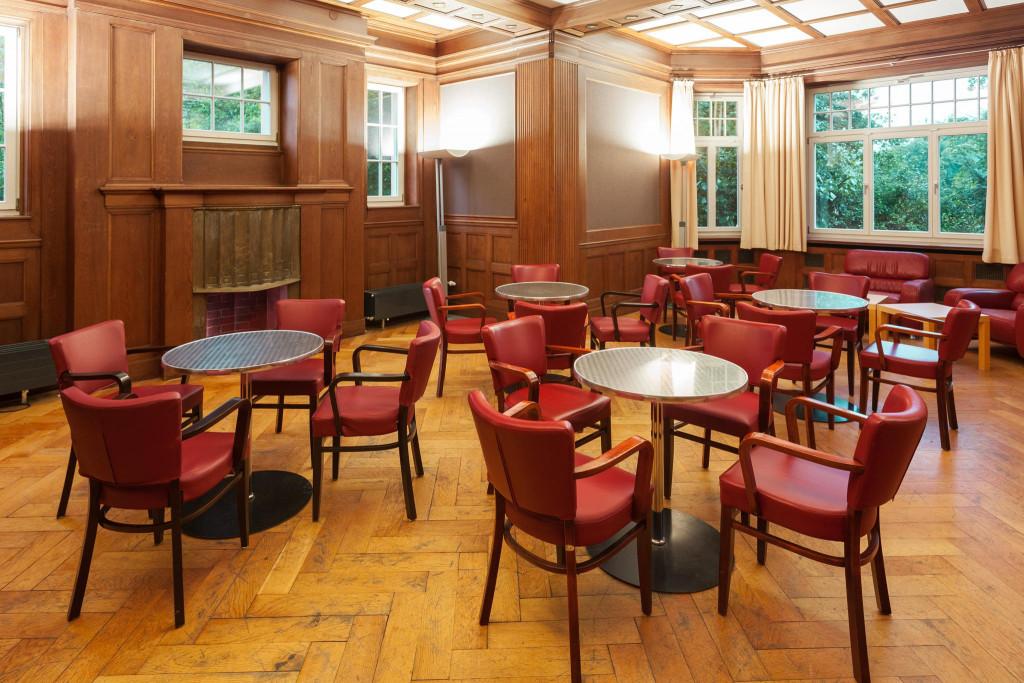 Seminar- und Loungeraum »Dublin« in der »Gelben Villa«. 68m² für 30 Personen