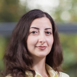 Portrait:  Flora Mirzoyan